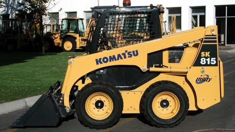 Komatsu SK 815-5
